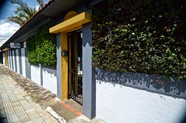 Haus mit inneng rten bei moravia zu vermieten zentraltal for Haus zu vermieten