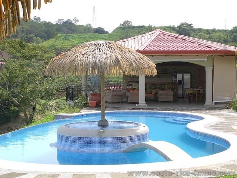 Nuevo precio villa con 575 m2 rancho casa de hu spedes for Gresite piscina precio m2