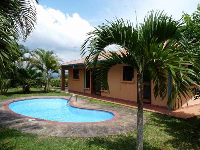 atenas bonita casa con 3 dormitorios 2 ba os piscina y