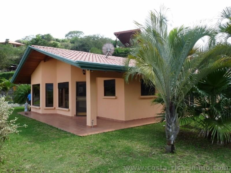 Casas bonitas con jardin stunning terraza de casas for Casas chiquitas pero bonitas