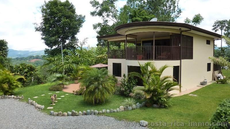 san isidro sch nes haus mit sicht auf das thal und die berge wundersch ner tropischer garten. Black Bedroom Furniture Sets. Home Design Ideas
