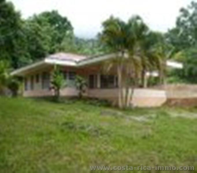 Haus Mit Flussanstoss Bei Ojochal Zu Verkaufen
