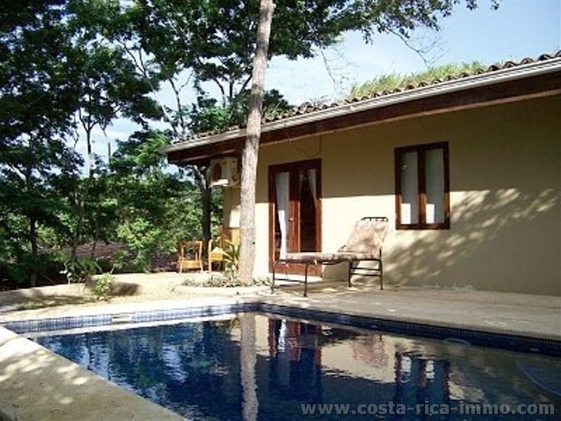 Zu verkaufen, schönes Haus mit 2 separaten Apartments an der Playa Grande