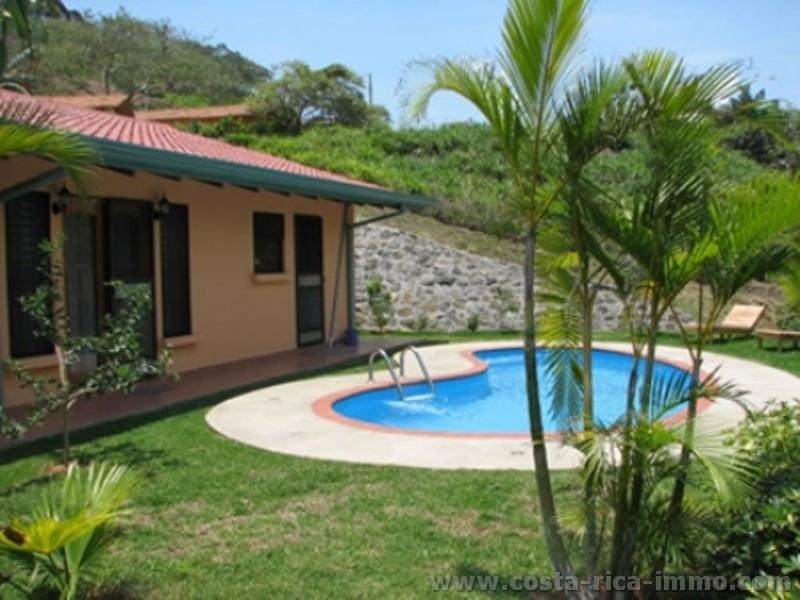 Atenas nuevo precio bonita casa con 3 dormitorios 2 ba os - Casas modernas con piscina ...