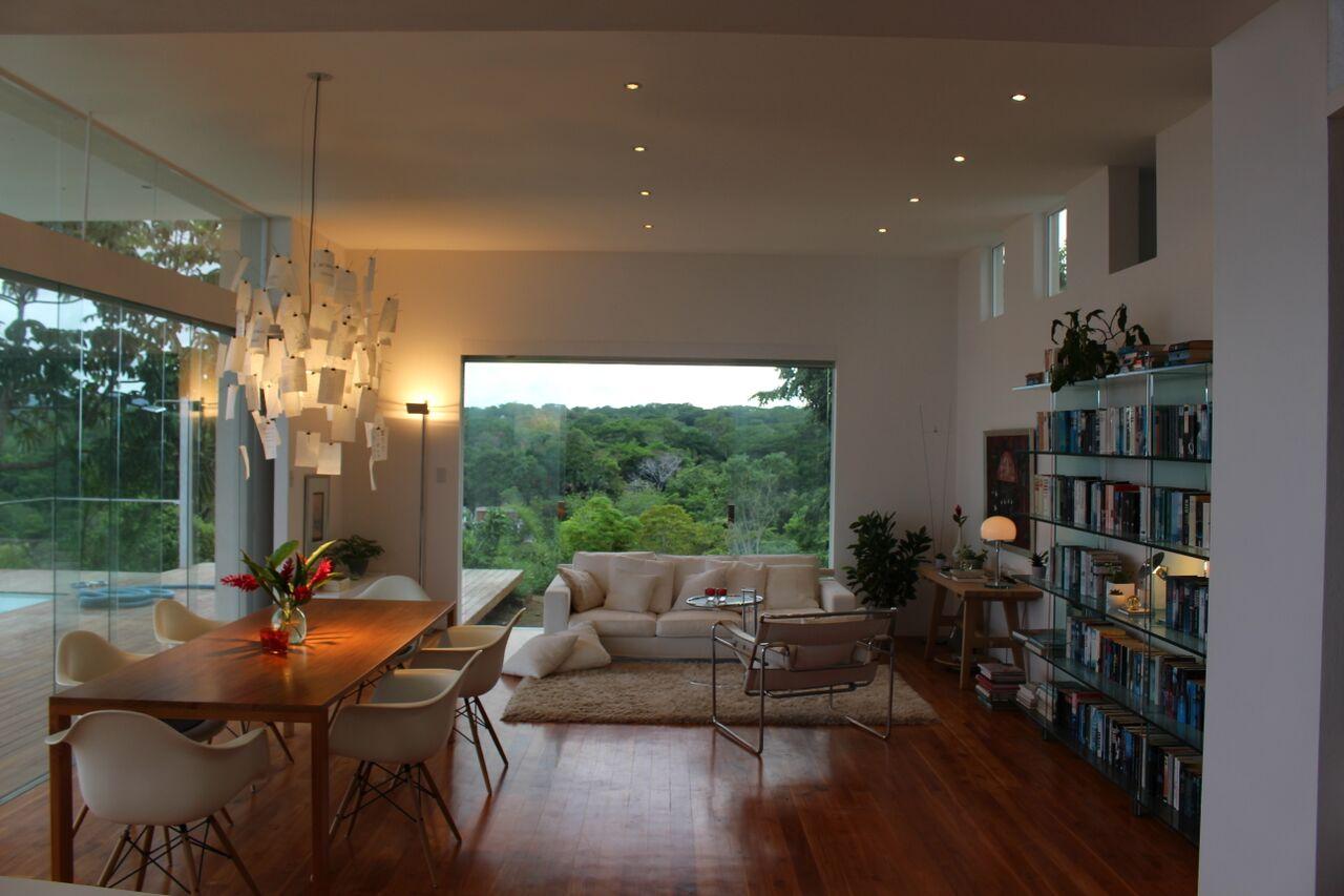 Zu verkaufen, neues modernes Haus auf hochgelegenen Plateau umgeben ...