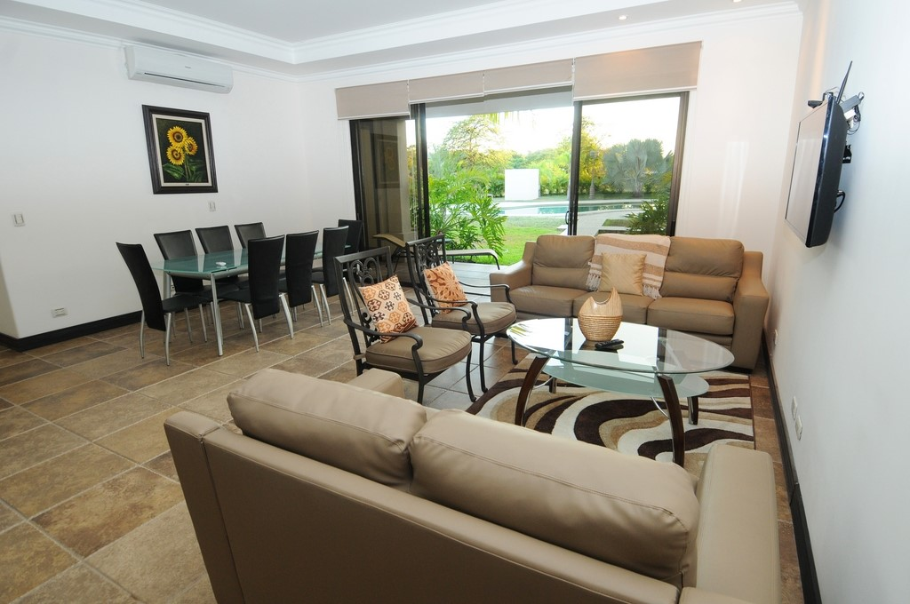 Opportunity, 4 luxurious condominiums are sold at the Delfines Golf & Country Club, Playa Tambor