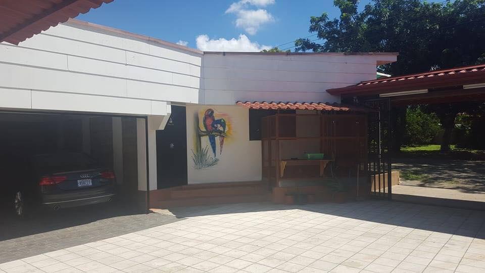 zu verkaufen 2 h user lokal lkw garage 1000 m2. Black Bedroom Furniture Sets. Home Design Ideas