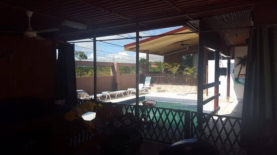 ... For Sale, 2 Houses, Premises, Garage, 1000 M2 Plot, 5 Min