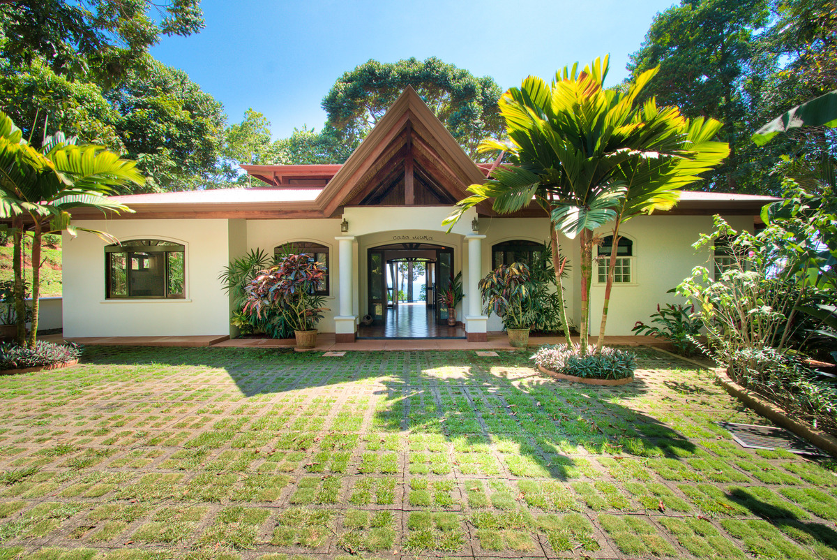 Luxury Ocean View Home Surrounded with 5 Acres of Jungle San Martin, Dominical