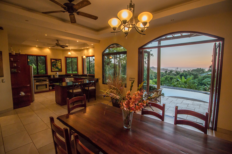 Mountain Home with Ocean View, trail to a River, and easy access  near Uvita