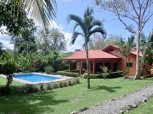 Zu verkaufen, schönes Haus mit Pool & Gästebungalow, tropischer ...
