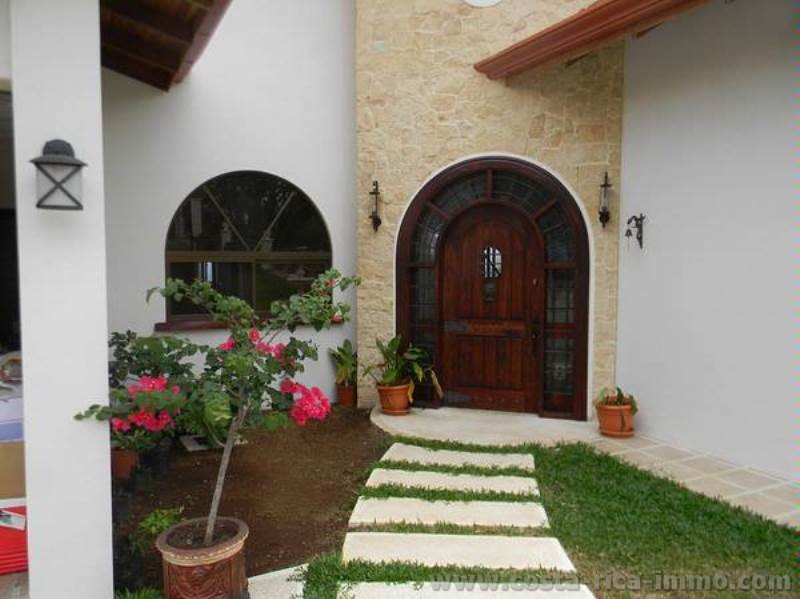 For sale, luxury Villa with separate Guest House in Atenas
