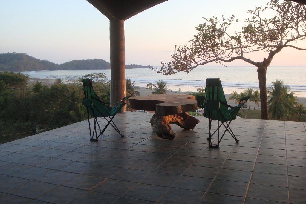 Villa by the sea with stunning views of the hills and the sea on the Playa Coyote