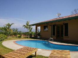Atenas NEW PRICE Nice house with 3 bedrooms, 2 bathrooms, swimming pool and tropical garden