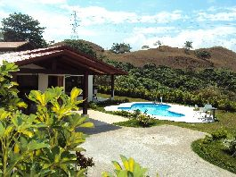 House with 270 m2, 3 betrooms, 3 bathrooms, terrace, Pool, Jacuzzi and tropical garden at Atenas