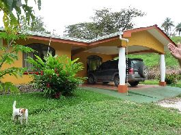 House BJ. 2009 with 1.8 hectares of tropical garden near Las Juntas de Abangares