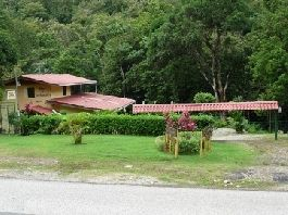 Golfito PRICE REDUCTION existence - Restaurant with 2 cabins in Golfito Costa Rica