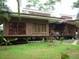 Quepos - 3 Separate homes on one property to sell