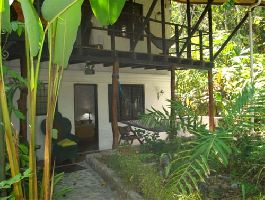 Cozy 12-room boutique hotel in Manuel Antonio for sale