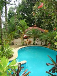 For Sale 6 rooms hotel with pool and tropical garden in Ojochal