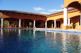 fine Hacienda style Living, with 3 ha privat refugio and near the Beach - Tamarindo