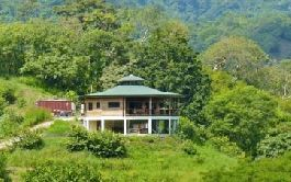 BARGAIN! 7 hectare finca., Asian-style houses, Rancho, swimming pool on the Nicoya Peninsula