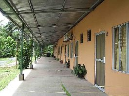 For sale, small hotel with 8 rooms, close to the beach Plama in Parrita