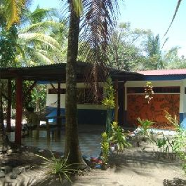 Beach house for sale with direct access to the sea at Playa Bandera