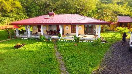 House with guest house and swimming pool, tropical garden in a dream climate at Miramar  for sale