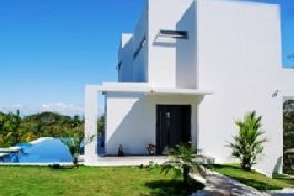 Modern and Luxury 2 BR Villa with 1 BR Apartment near Montezuma