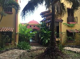 Venetian villa in the middle of the jungle 10 minutes from the beautiful beach