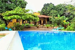 Venetian villa with guest house, surrounded by jungle, near the dream beach Manzanillo