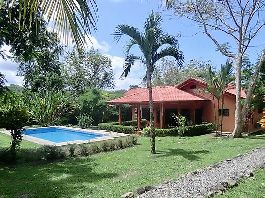 For sale, beautiful house with pool & guest bungalow, tropical garden with fruit trees, beautiful view at Ojochal