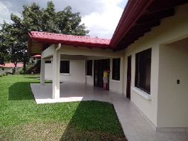 New house with 2 bedrooms, 2 bathrooms, terrace, tropical garden in the best climate in the world for sale