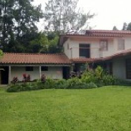 For sale, country Style Hacienda Large Enough For A Bed and Breakfast in San Luis de Heredia