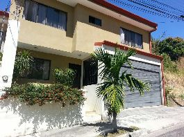 Two-storey house for sale in Pozos de Santa Ana