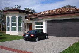 Luxurious villa in a private facility, with golf, tennis, Olympic size pool, Polo, etc. for sale