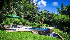 For sale, main house, guest / guard house, Rancho B & B, swimming pool, 2.8 ha garden at Tacacori de Alajuela