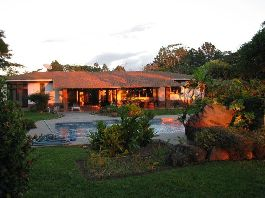 For sale House in the country-style guest house in La Garita