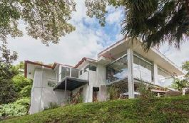 For sale, nice house with view of the Central in San Antonio de Escazu