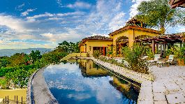 Dream villa in 1A location, 360 ° view, pool, jacuzzi in the mountains of Escazu for sale