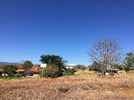 For sale, top building plot in exclusive residential area, with golf, tennis, Olympic pool, polo and much more at La Guacima
