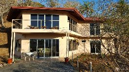 House with beautiful views, 5 platforms and 11.519 m2 garden with forest near Atenas
