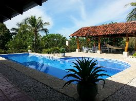 For sale, nice property with main house, guest house and 3:48 ha of land with tropical garden in Samara