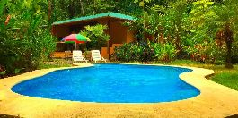 House with pool and 1.200 m2 large tropical garden, near the village and the beach Playa Chiquita