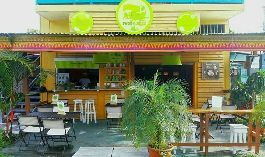 For sale, key right of a very popular and well running breakfast restaurant in the center of Puerto Viejo