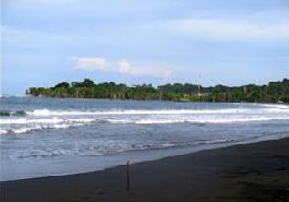 Beachfront property for sale, for construction of a hotel or condo project, located at Puerto Viejo