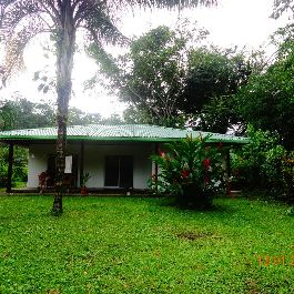 For sale, house in a quiet residential area in Cahuita